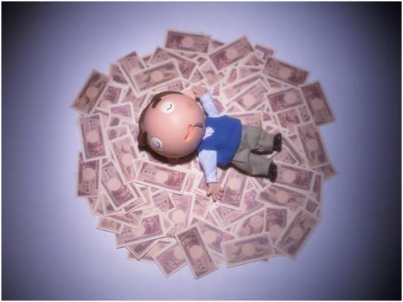 ¿Las deudas también se heredan?